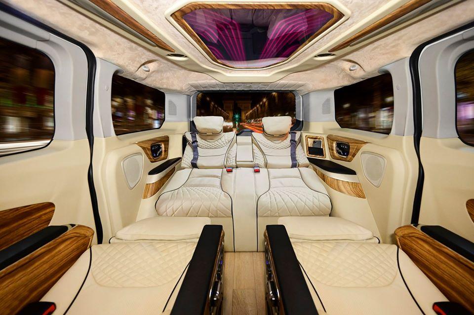 Ford Tourneo limousine 6