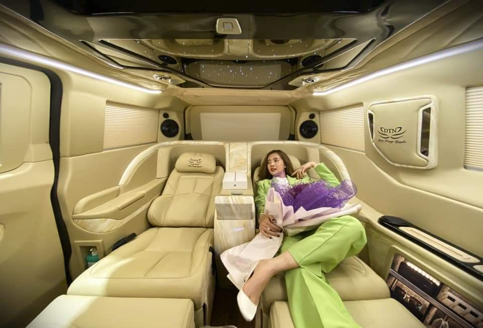 Ford tourneo limousine 17