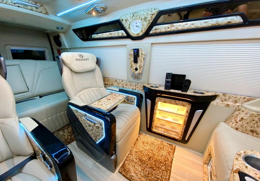 ford transit limousine dcar president 11