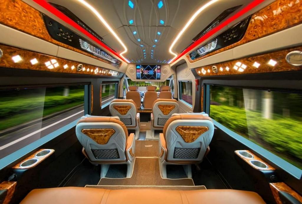 solati limousine 12 chổ 2