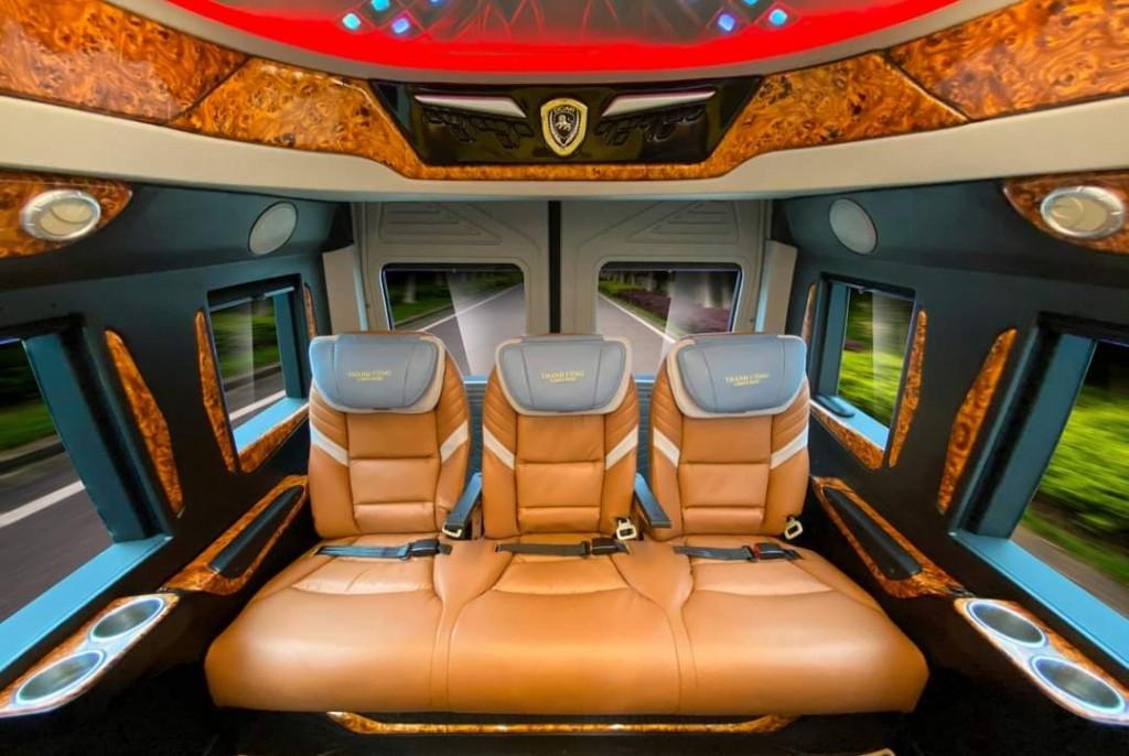 solati limousine 12 chổ 3