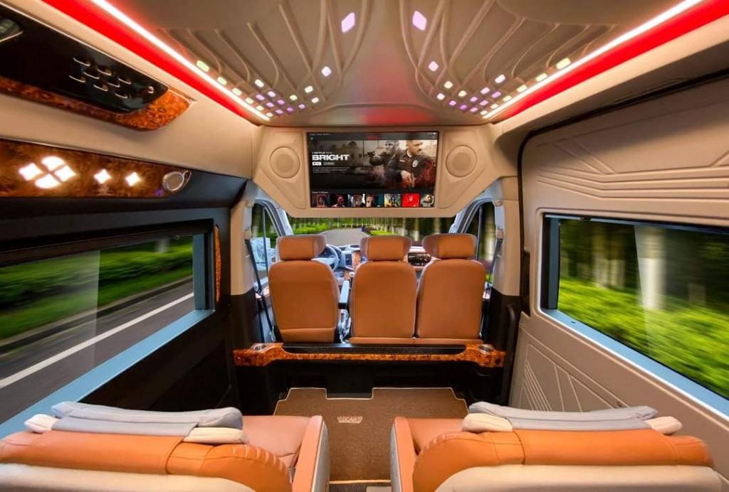 solati limousine 12 chổ 4